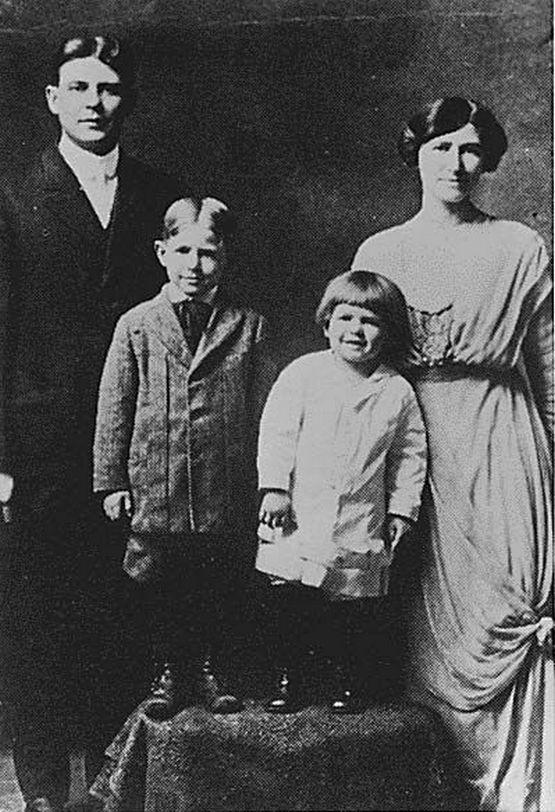 f_1916.jpg