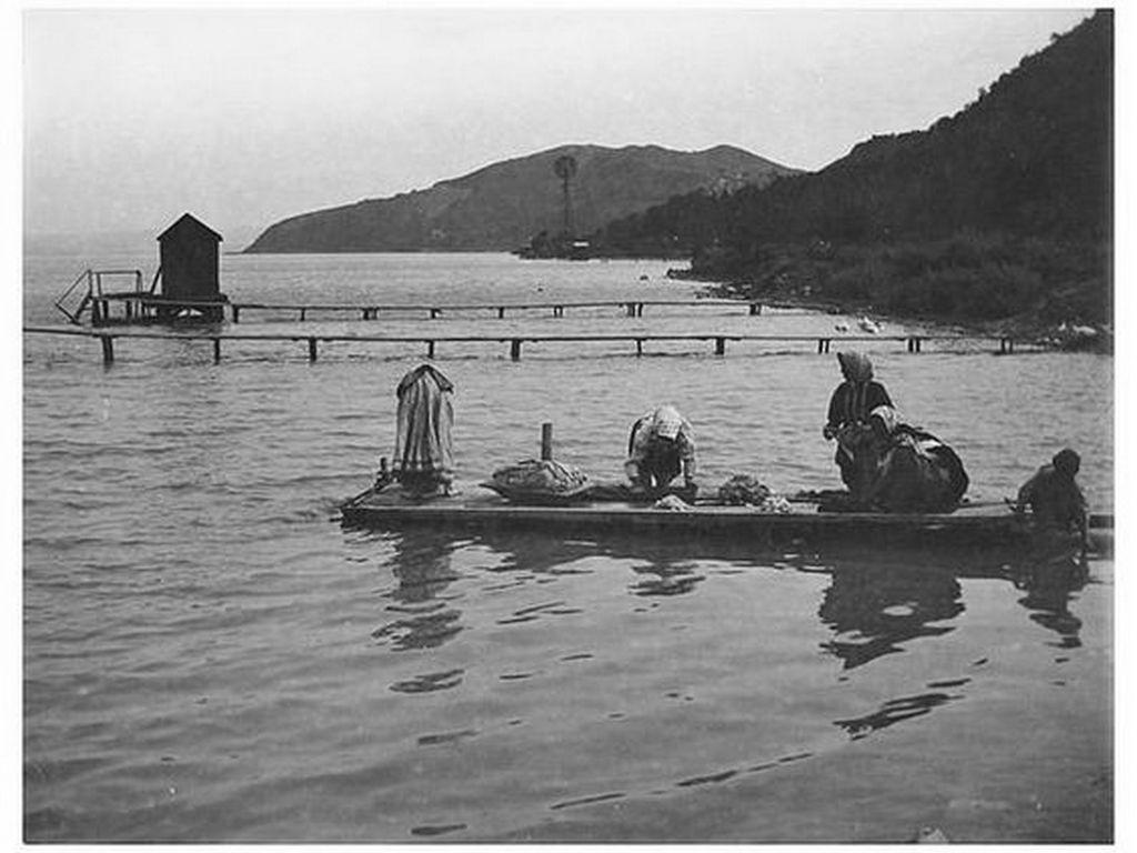 1917_mosnak_a_balaton_vizeben.jpg