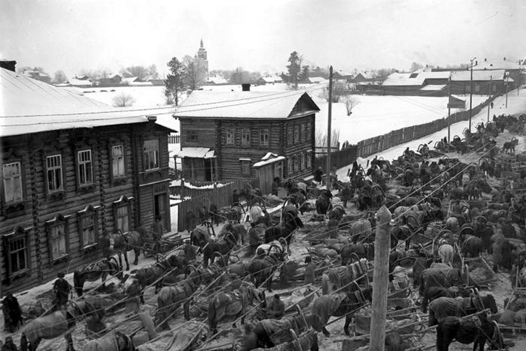 1928_kozlekedesi_dugo_valahol_egy_galiciai_vasutallomason_a_szovjetunioban.jpeg