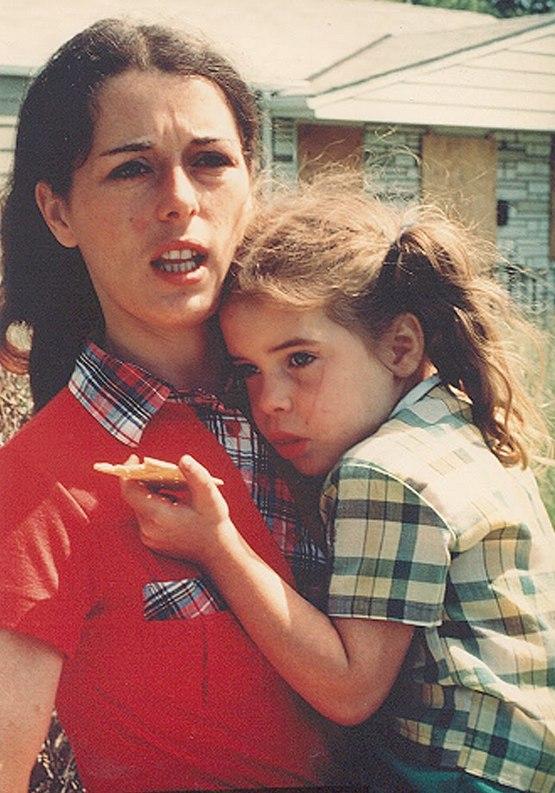 1978_lois_gibbs_missy_love_canal_cr.jpg
