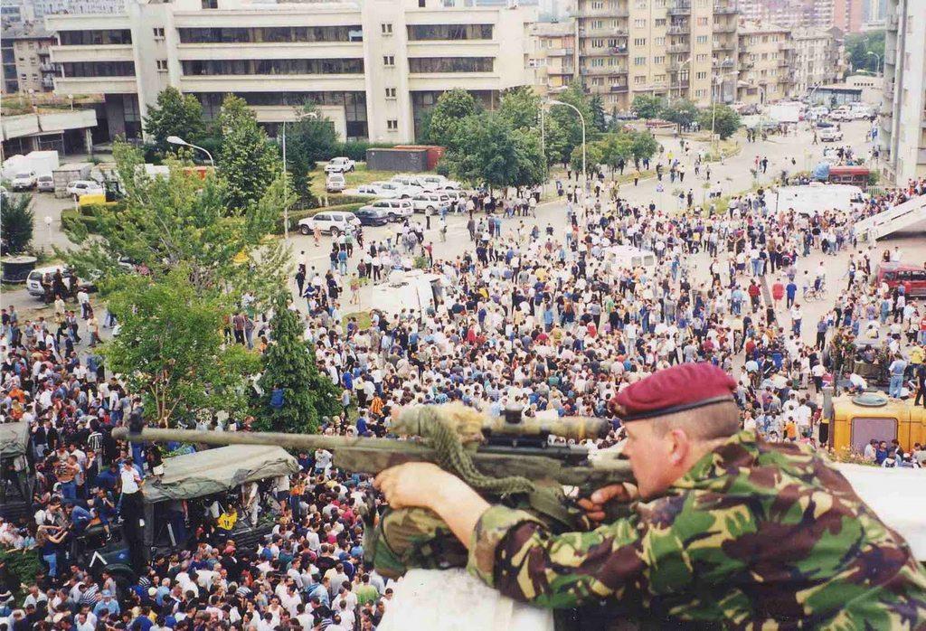 1999_b1bpr_kosovo_clinton_latogatas.jpg