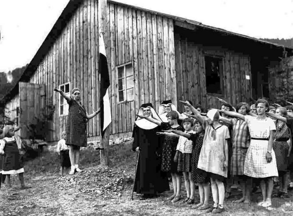 1930-as_evek_katolikus_noi_tabor_1930_lengyelorszag.jpeg