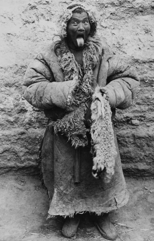 1955_tibeti_udvozli_a_fotos_1955_lhasa.jpeg