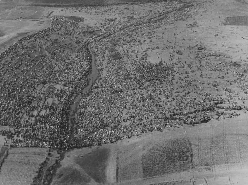 1942_a_szovjet_hadifogsagok_gyujtemenyenek_legifotoja_a_kharkov_kozeleben.jpg