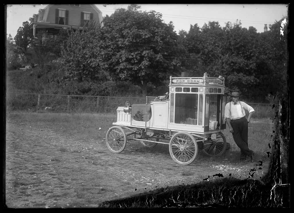 1908_popcorn_vendor_marblehead_massachusetts.jpg