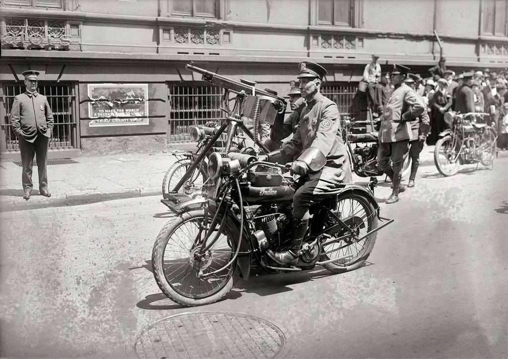 1918_indian_police_motorcycle_with_a_mounted_sidecar_machine_gun_new_york_city.jpg