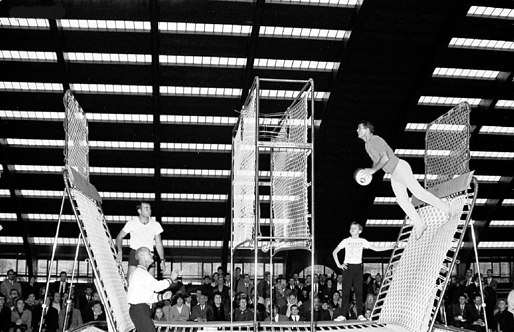 1965_george_nissen_and_other_players_demonstrating_spaceball_in_paris.jpg
