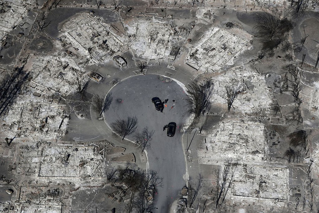2017_10_14_an_aerial_view_shows_the_devastation_of_the_coffey_park_neighborhood_after_a_wildfire_swept_through_in_santa_rosa_california_on_october_14.jpg