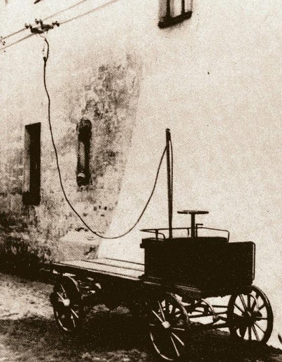 1902_trolibusz-kocsi_frese-t_1902_marcius_26-an_teszteltek_szentpetervaron.jpg