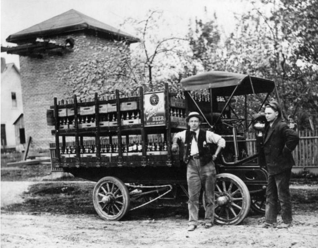 1910_korul_sorszallito_teherauto_tacoma_washington_allam.jpeg