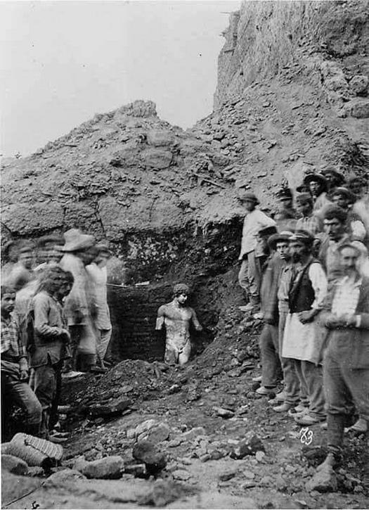 1864_the_discovery_of_the_statue_of_antinous_delphi_greece.jpg