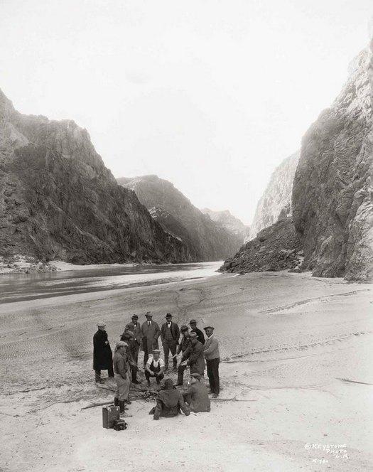 1928_colorado_river_hoover_dam.jpg