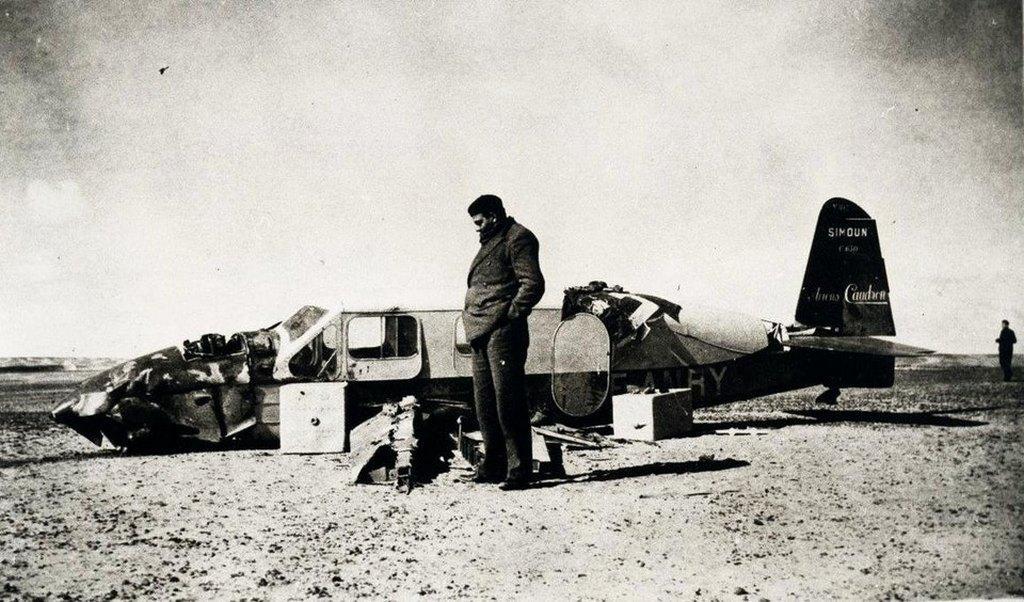 1935_antoine_de_saint-exupery_after_his_crash_in_the_libyan_desert.jpg