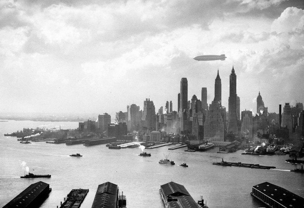 1936_the_hindenberg_over_manhattan.jpg