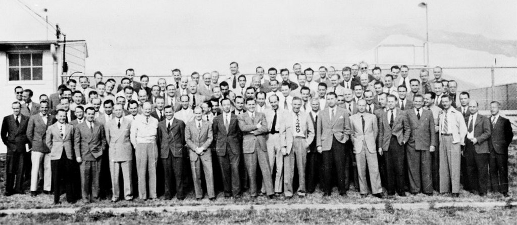 1945_the_team_of_104_rocket_scientists_who_were_brought_over_from_germany_in_operation_paperclip.jpg