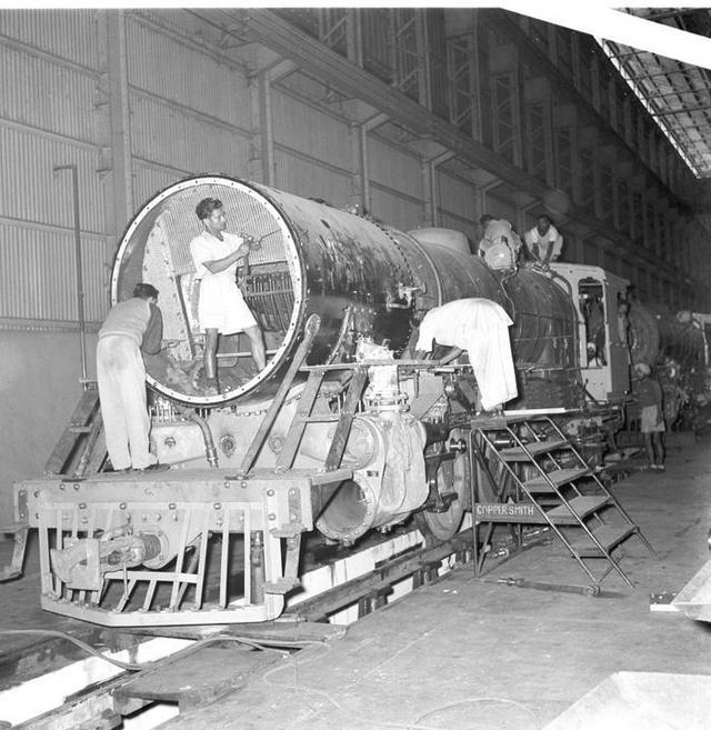 1957_a_locomotive_factory_in_jamshedpur_india.jpg
