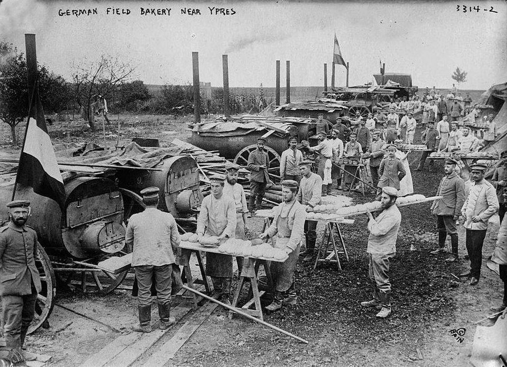 1914_german_field_bakery_near_ypres_belgium.jpg