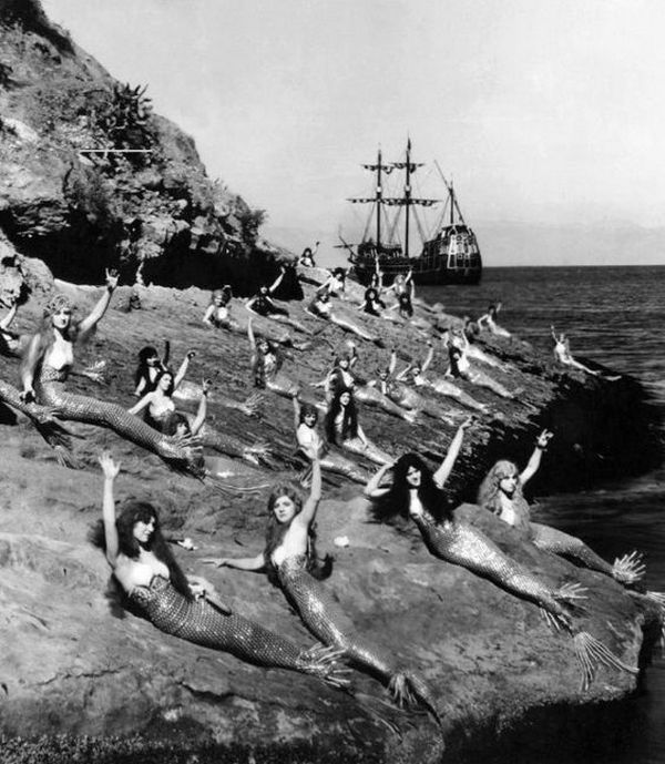 1924_actresses_playing_mermaids_lounge_during_the_filming_of_peter_pan.jpg