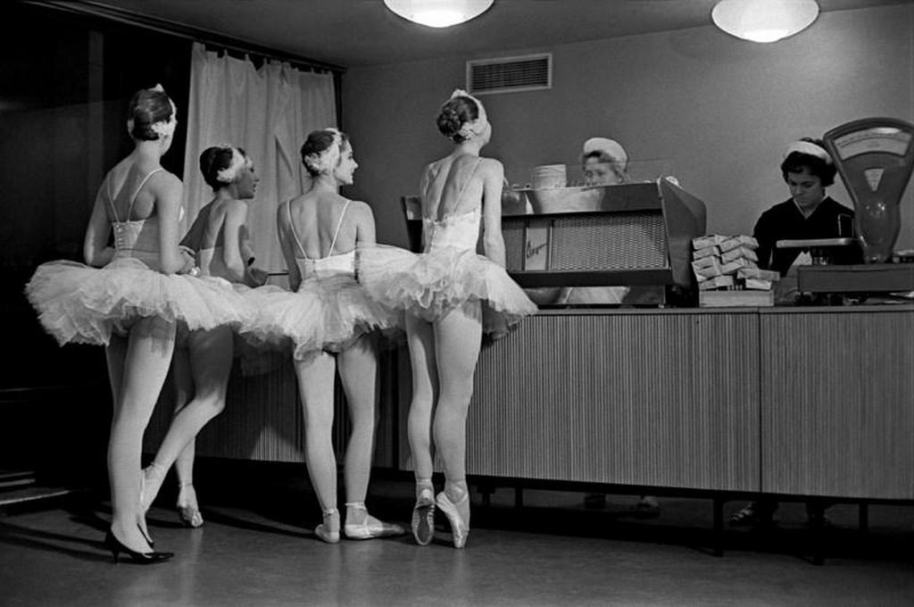 1961_ballerinas_in_the_cafeteria_at_the_bolshoi_ballet_moscow_russia.jpg