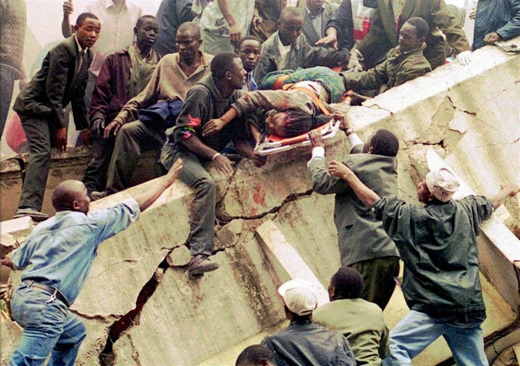 1998_augusztus_rescue_workers_hoist_a_woman_rescued_from_the_u_s_embassy_in_nairobi_august_1998_224_were_killed_in_coordinated_bombings_in_kenya_and_tanzania.jpg