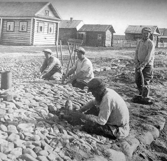 1910-es_evek_koburkolat_epitese_kosztroma_orosz_varosban.jpeg