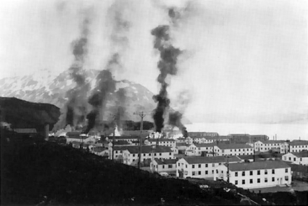 1942_buildings_burning_after_japanese_attack_on_dutch_harbor.jpg
