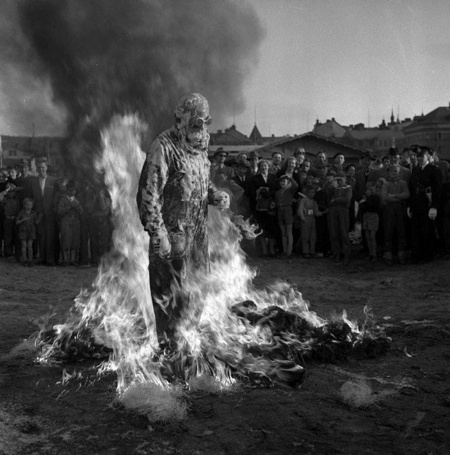 1953_demonstration_of_a_fire_protection_foam_in_sundsvall_sweden.jpg