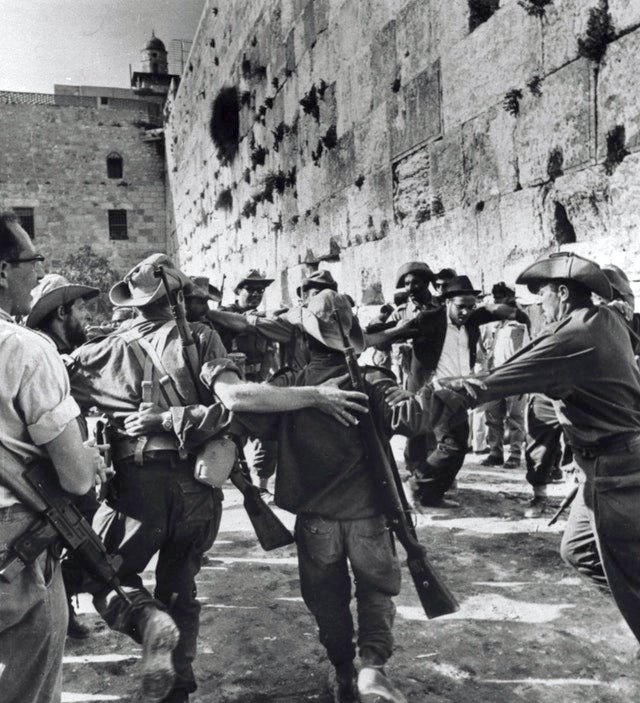 1967_jewish_soldiers_dancing_at_the_western_wall_shortly_after_the_liberation_of_the_old_city_of_jerusalem.jpg