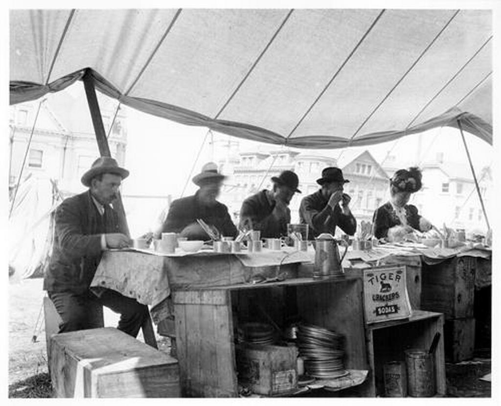 1906_a_refugee_camp_restaurant_in_san_francisco_after_the_great_earthquake.jpg