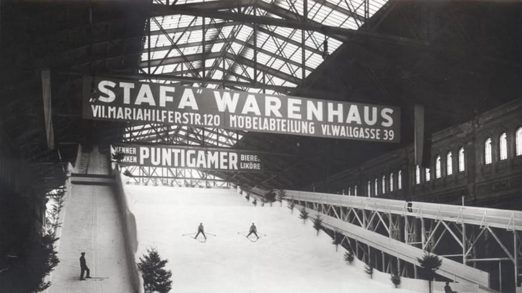 1907_indoor_ski_slope_in_a_vienna_train_station.jpg