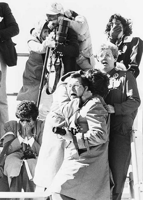 1986_launch_observers_react_to_the_shuttle_challenger_tragedy.jpg