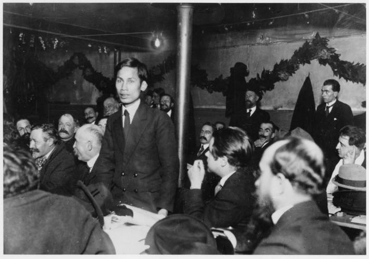 1920_fiatal_ho_chi_minh_a_comintern_aktivista_1920-ban_franciaorszagban.jpeg