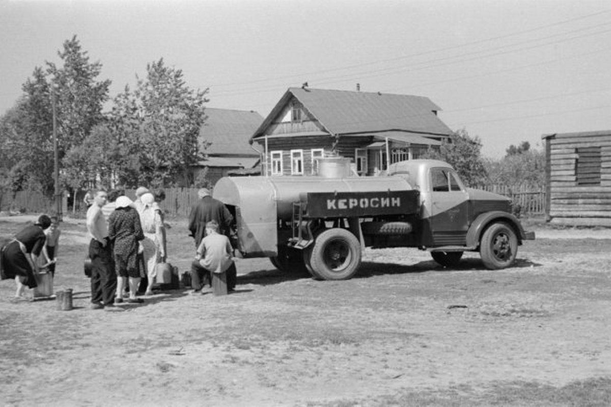 1963_kerozin_kereskedelem_a_palackozashoz_1963_moszkva_regio_dolgoprudny.jpeg