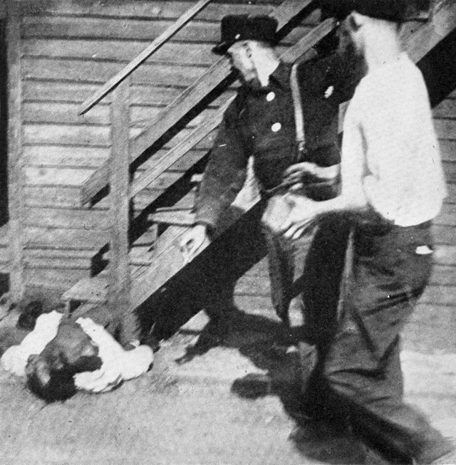 1919_an_african_american_man_being_stoned_to_death_by_whites_during_the_chicago_race_riot.png