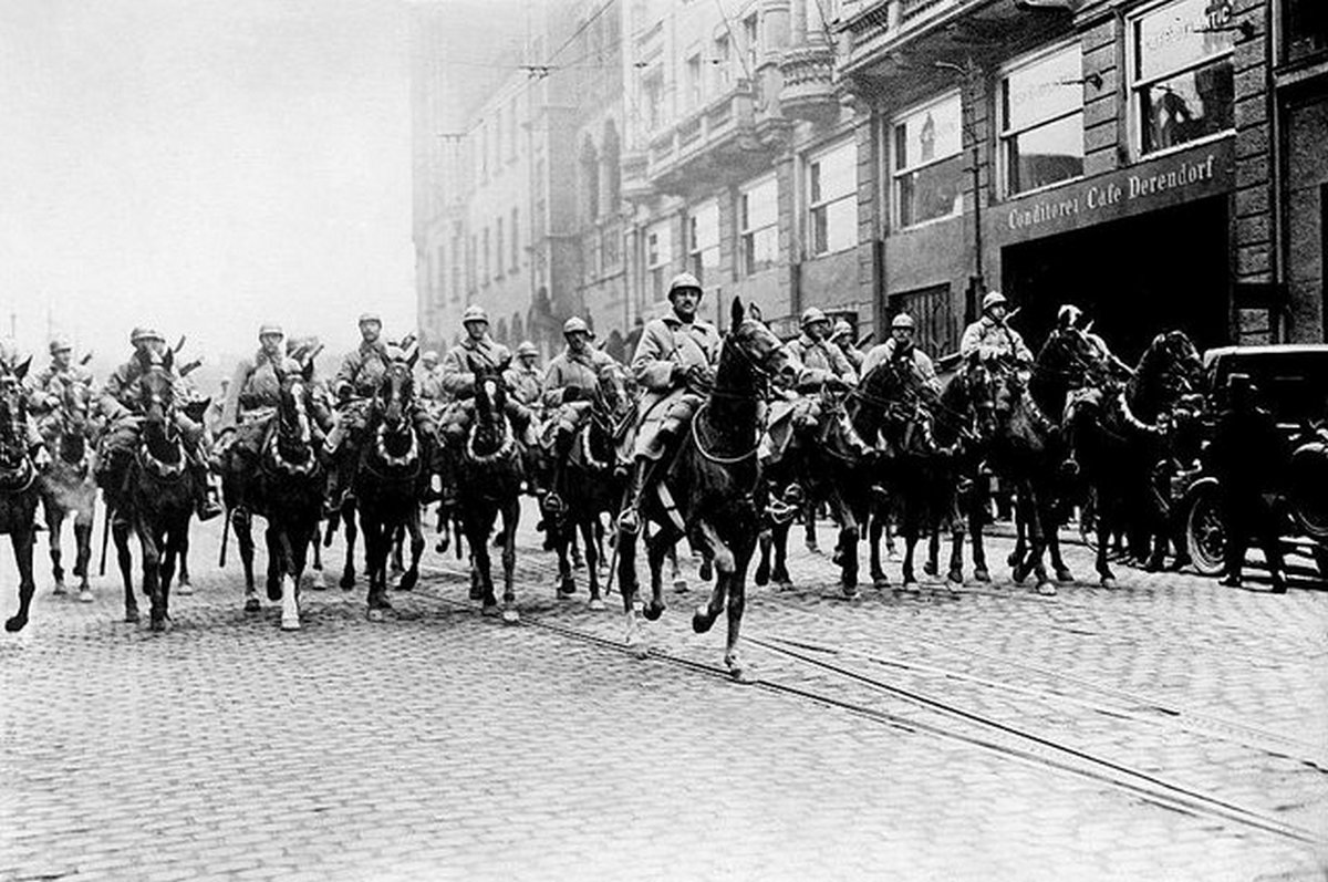1923_occupation_of_ruhr_french_troops_entering_essen.jpg