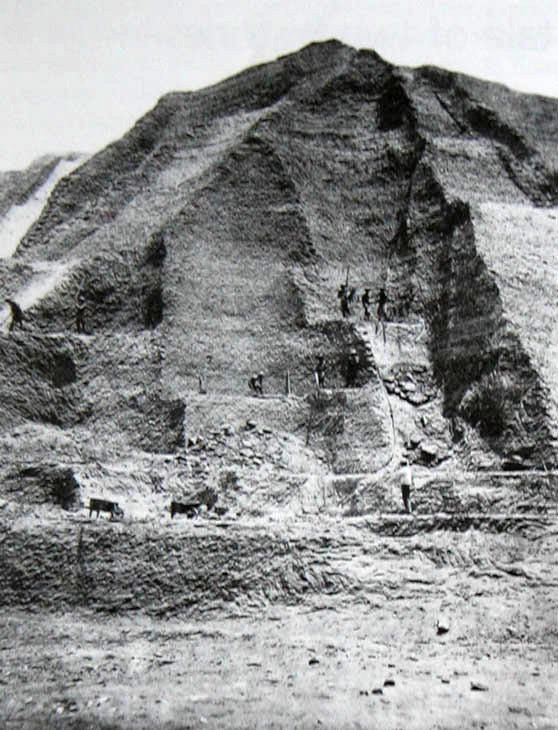 1860_mining_guano_in_the_chincha_islands_off_the_central_coast_of_peru.jpg