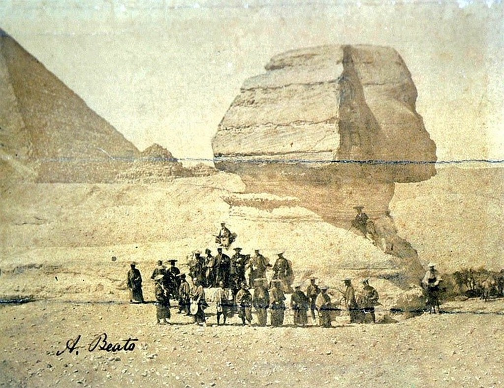 1864_a_group_of_samurai_in_front_of_egypt_s_sphinx.jpg
