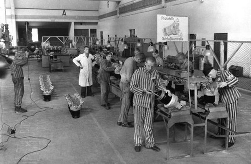 1943_concentration_camp_inmates_at_bmw_in_munich_allach.jpg