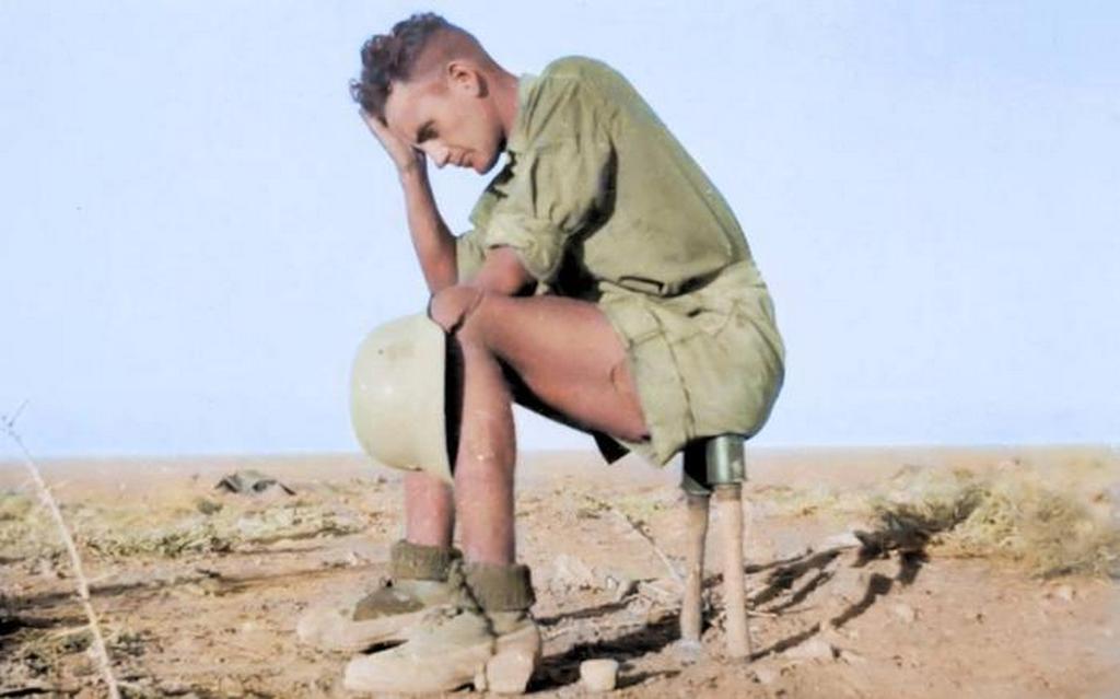 1942_nemet_dak-katona_eszak-afrikaban_kezigranatokon_ul.jpeg