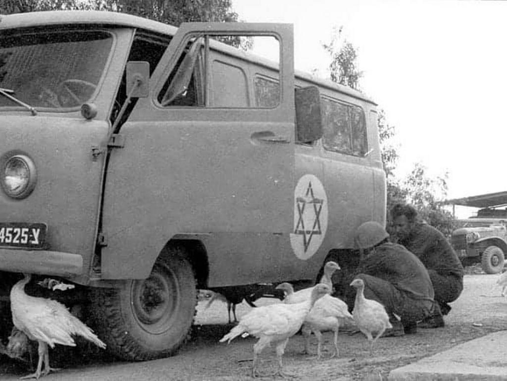 1973_uaz-452_trophy_minibusz_amelyet_az_izraeli_hadsereg_hasznal.jpg