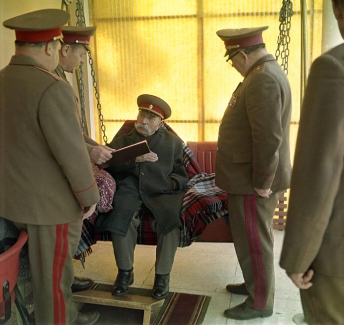 1973_a_szovjetunio_marsallja_semyon_budyonny_a_dzsacsaban_a_90_szuletesnapjan_1973_aprilis_25-en_moszkvai_regioban_odintsovon_bakovkan.jpeg