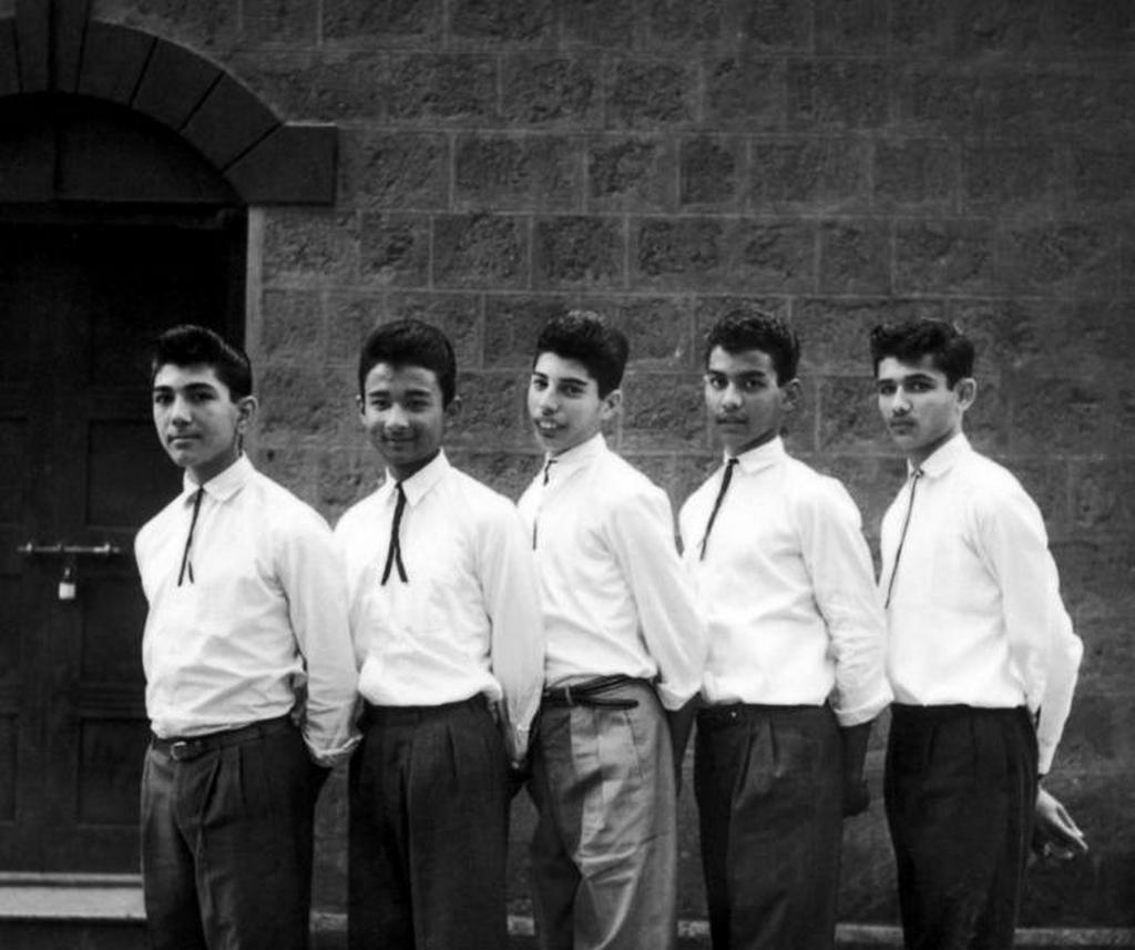 1958_freddie_mercury_kozepen_elso_zenekaraban_a_the_hectics-ben_meg_bombay-ben_indiaban.jpeg