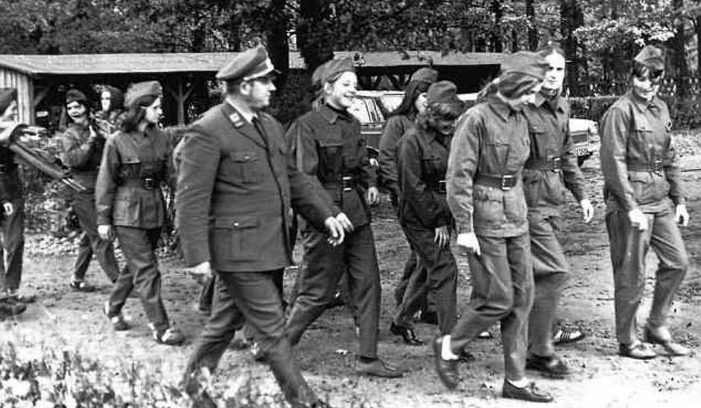 1972_angela_merkel_akkor_meg_kasner_az_ndk-ban_egy_katonai_gyakorlaton.jpg