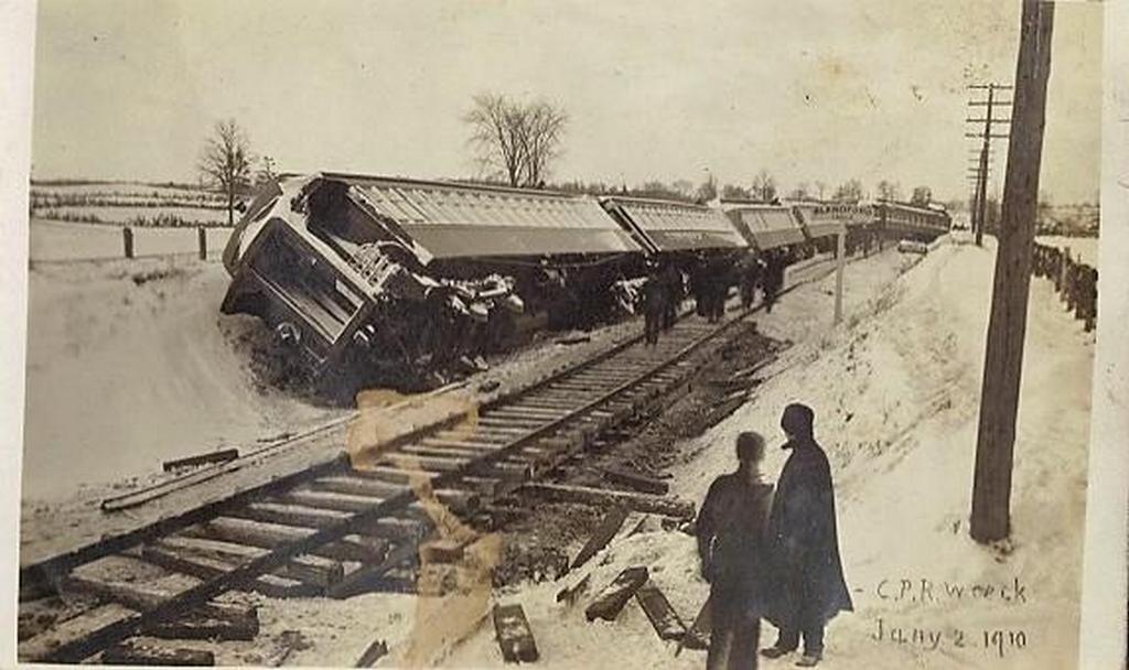 1902_canadian_pacific_railway_train_wreck_toronto.jpg