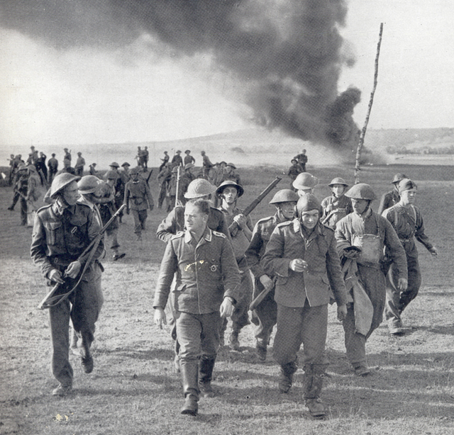 1940_two_german_prisoners_from_the_crew_of_a_heinkel_iii_shot_down_on_the_south-east_coast_of_england.png