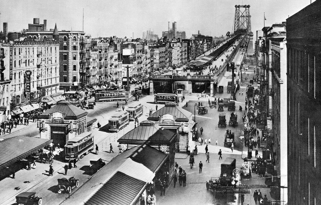1919_williamsburg_bridge_new_york_city.jpg