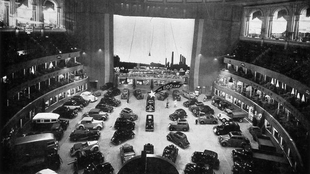 1932_ford_motor_show_at_the_royal_albert_hall_london.jpg