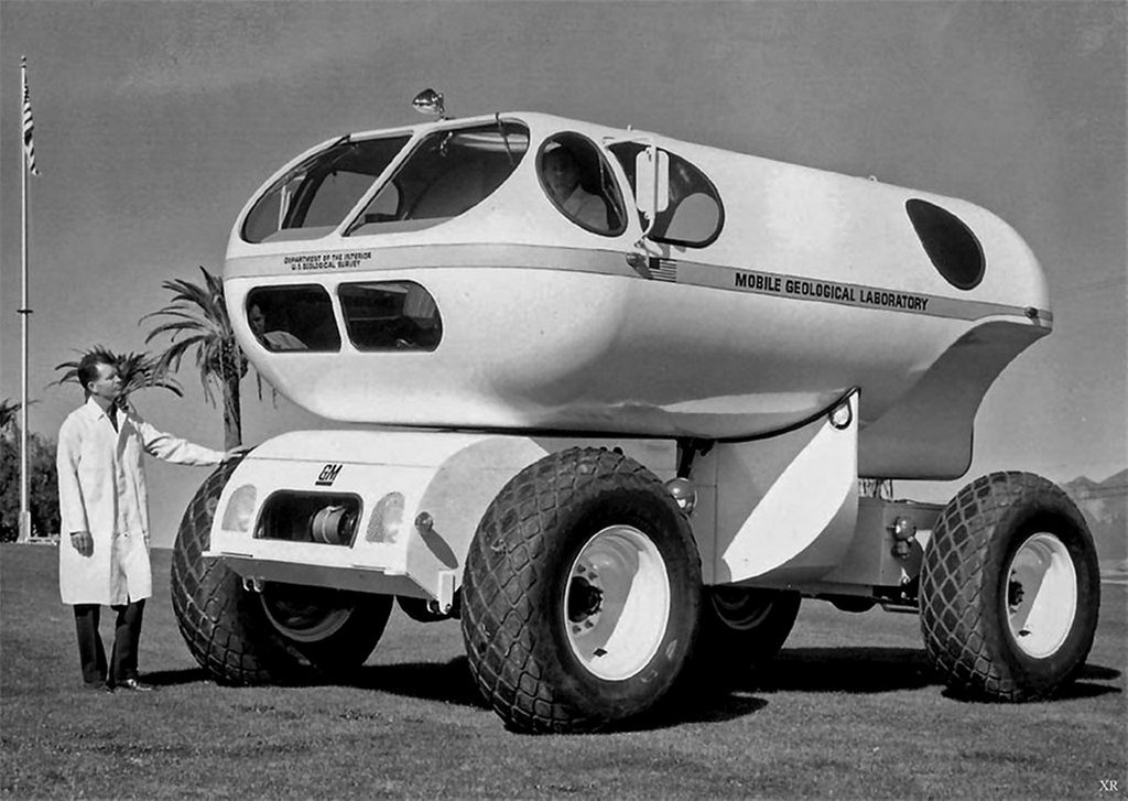 1965_mobile_geological_lab_molab_extended_mission_lunar_vehicle_prototype_rolled_out_by_general_motors.jpg
