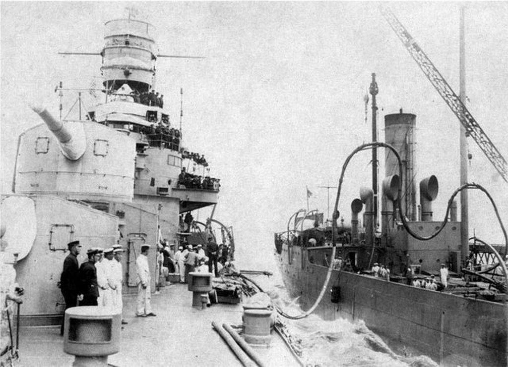 1935_japanese_cruiser_furutaka_refueling_from_the_tanker_tsurumi.jpg