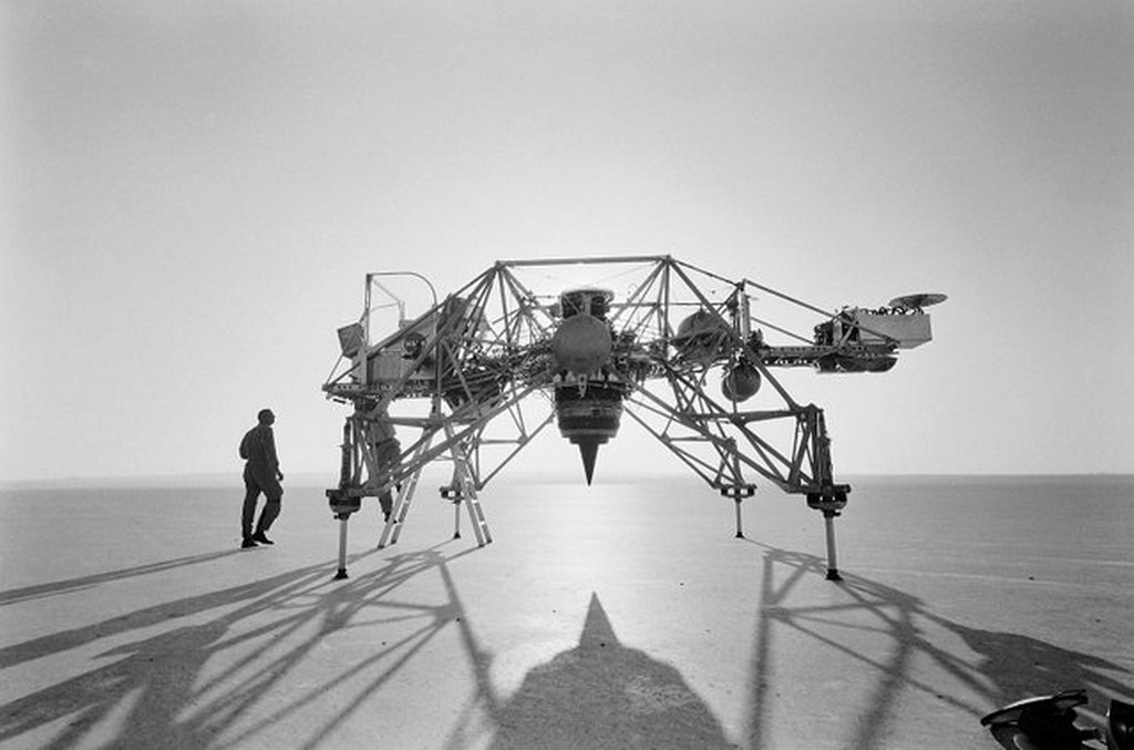 1964_augusztus_1_neil_armstrong_next_to_a_lunar_landing_research_vehicle_llrv_nicknamed_the_flying_bedstead_at_edwards_air_force_base_california.jpg